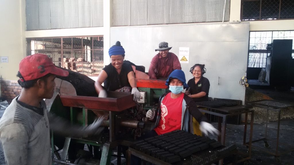 Production workers_16